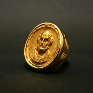 Important Gold Ring Featuring a Cameo of Homer