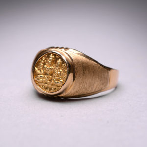 Gold Ring Featuring a Gold Pagoda from the Vijayanagara Empire5